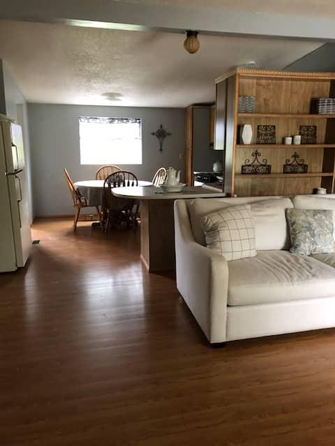 3Bed House-Adirondacks-NewlyRenovated-Washer/Dryer