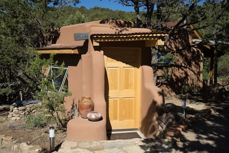 Secluded, Artsy Casita- 1 bedroom - サンタフェ