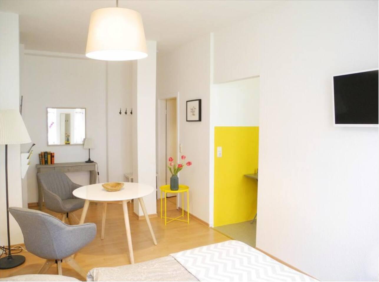 Geräumige 1-Zimmer-Wohnung in zentraler Gegend und ruhiger Lage