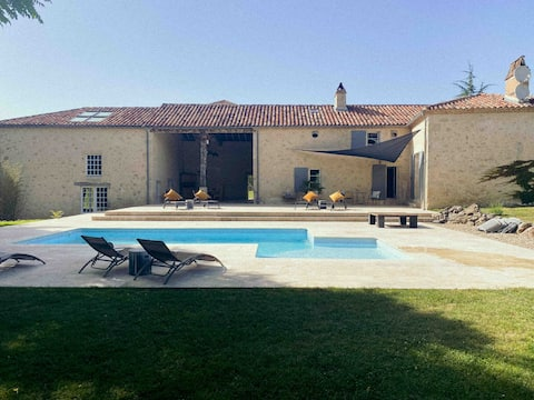 Idyllic 5 bedroom cottage within Château grounds