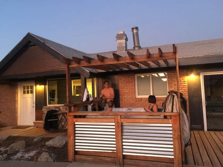 The Rapid Ranch - Hot Tub & Rec Room!
