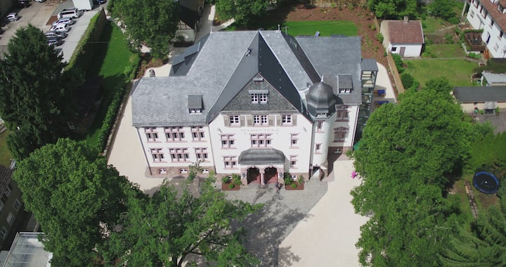 Wohnung 1, einer zauberhaften alten Volksschule