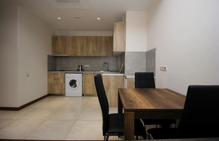 Comfortable 1 BDR Apartment near Republic Square