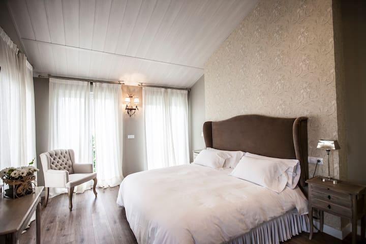 La casa de Vikera , Guest house - Ponferrada - Bed & Breakfast