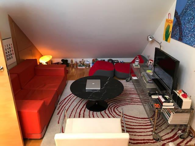 Habitacion doble en bonito ático compartido!!!