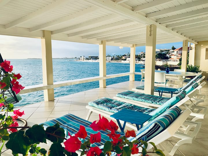 PERFECT SPACIOUS PRIVATE 2BD, 2BA OCEANFRONT VILLA