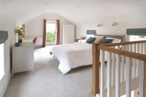 Beautiful barn conversion with easy access to York