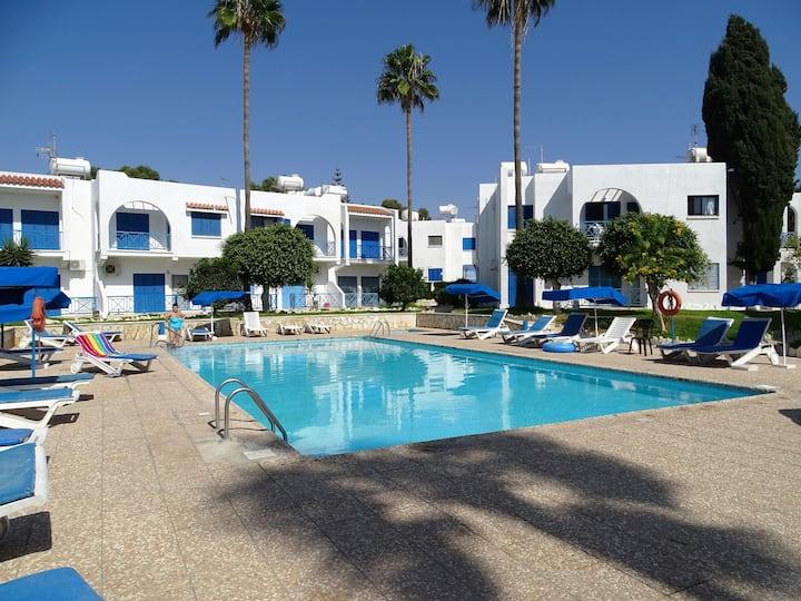 Larnaca apartment (next to the sea)