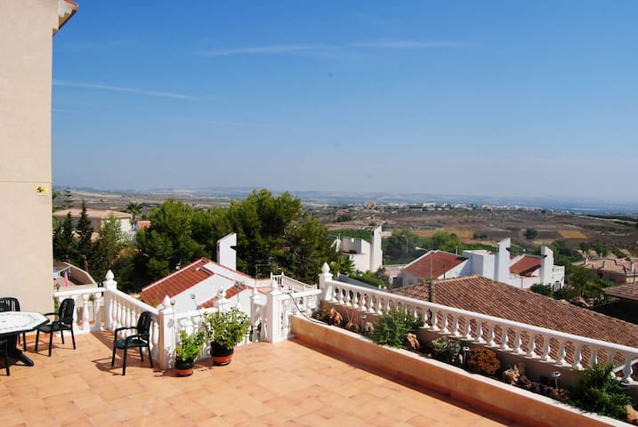 Villa with two apartment, privat pool. - San Miguel de Salinas - Huis