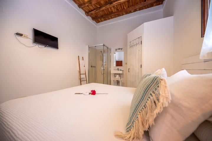 Habitación Doble con ducha - Macarella