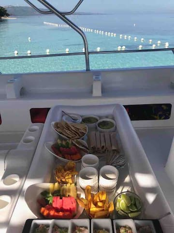 Snacks onboard our Premium Experience Excursion