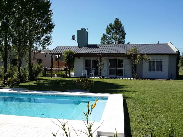 Big House with swimming pool, max 6 persons