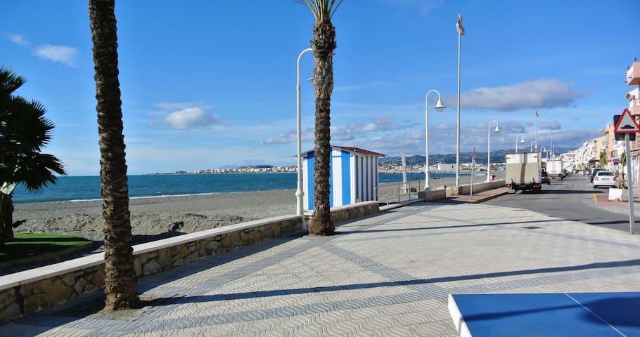 Fantastico Apartamento a 20 metros del mar.