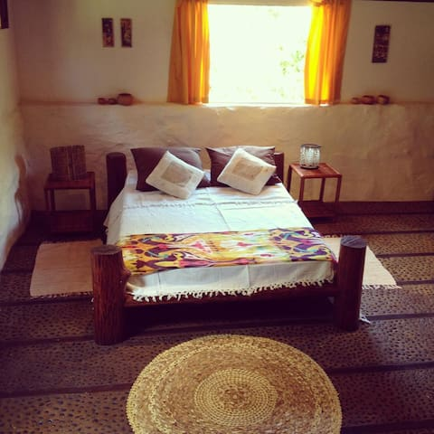 Suite 3 com entrada indipendente. Bedroom 3 with private bathroom and independent entrance.