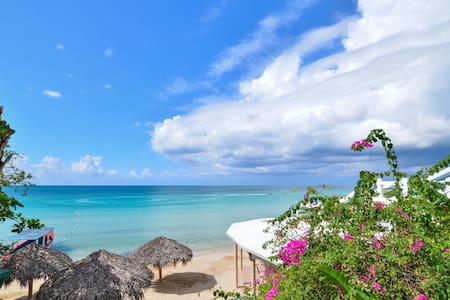 Beach House Condos - Lower Jungle House - Negril