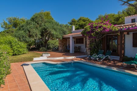 Beautiful family villa 100 metres from the coast - Sant Lluís
