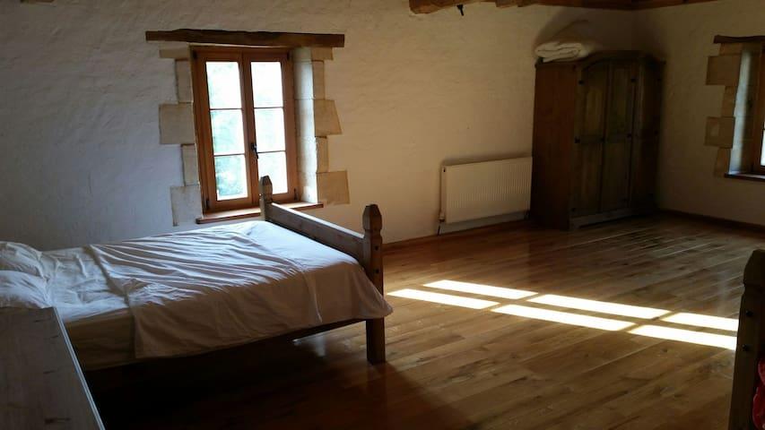 Treble room in barn conversion - Courpignac, Aquitaine-Limousin-Poitou-Charentes, FR