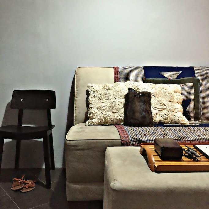 Cozy entrance, simple decor
