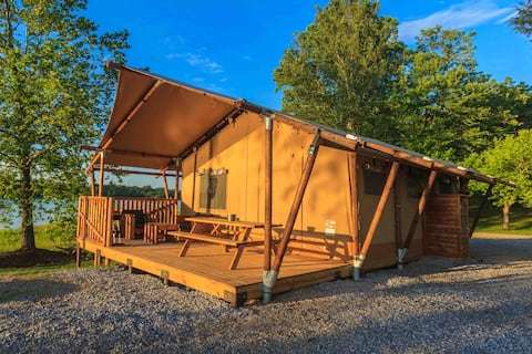 Charming Lakeside Glamping Tent, on the water