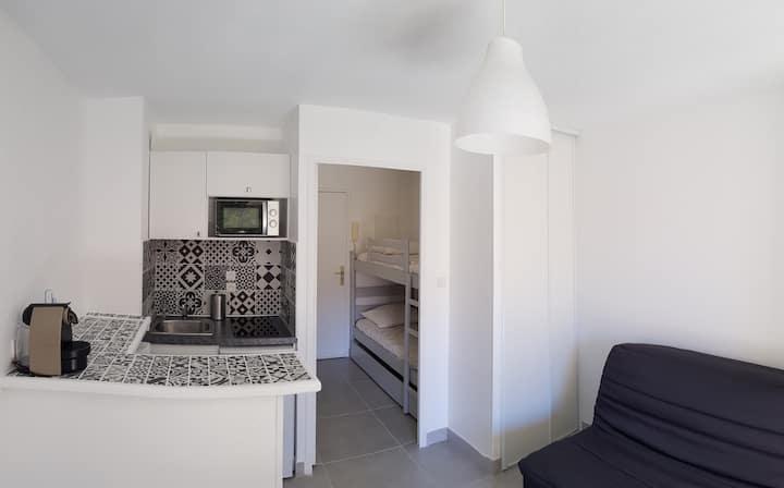 Studio Bandol vacances idéalement situé
