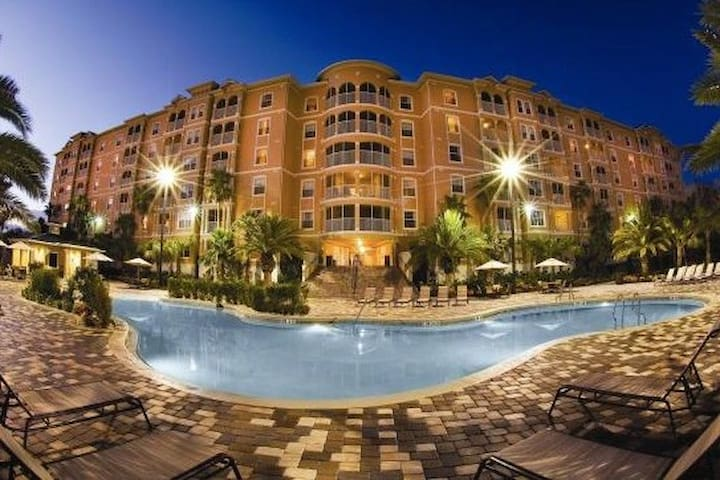 Luxurious, Fun Mystic Dunes Waterpark Golf Resort - Celebration - Casa de férias