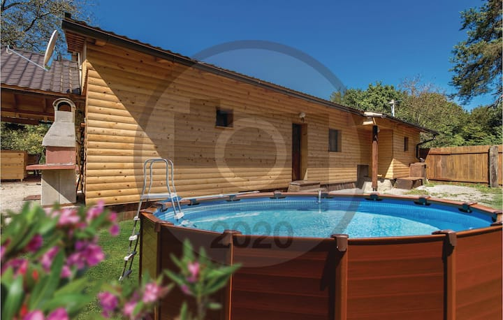 Holiday cottage with 3 bedrooms on 101m² in Tounj
