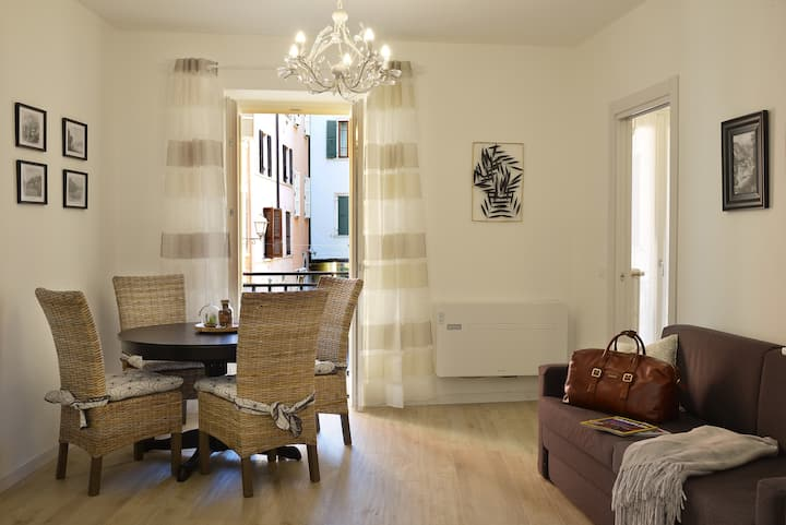 """Cavour 1""  New lovely apartment in Salò"