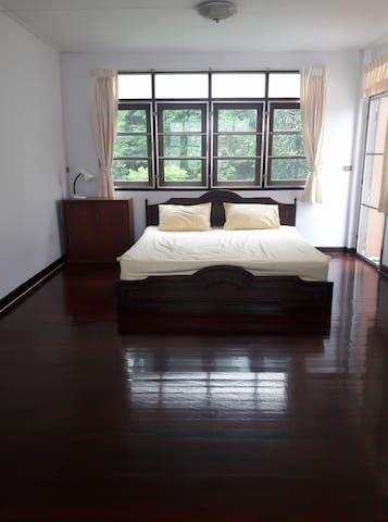 Small house 2BR on quiet private road - Bangkok - Flat
