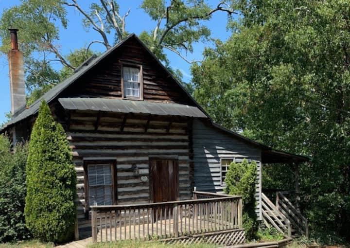 HistoricTobacco Barn log cabin