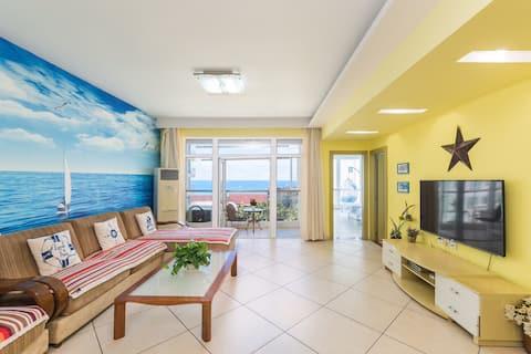 大东海海边~两房一厅/超大空间/遍地美食/椰梦长廊15分钟/海棠湾蜈支洲岛