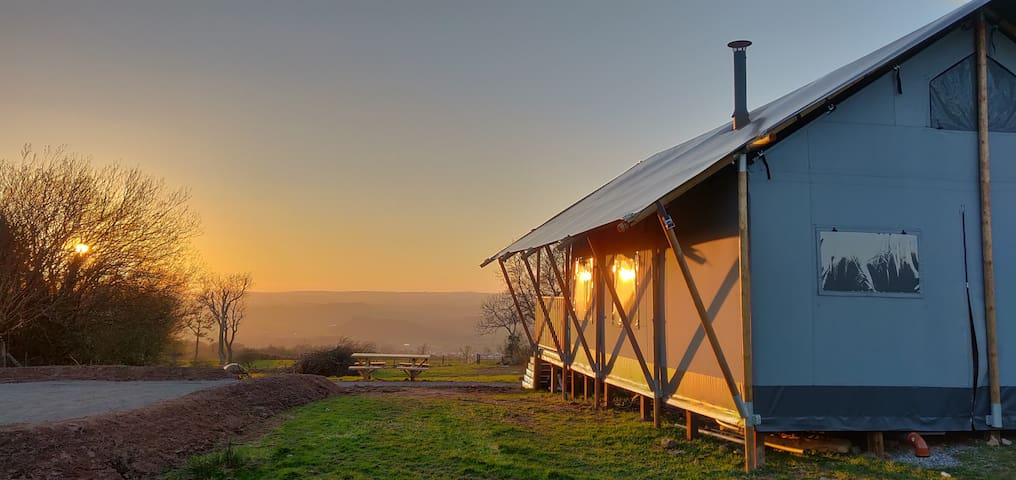 Brecon Beacons Safari Tent with a view!
