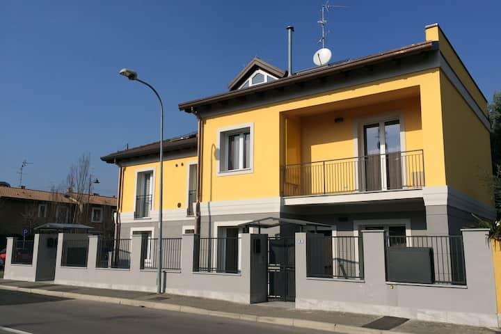 Arese-Rhofiera-C.le Il Centro-Villa-015009CNI00004