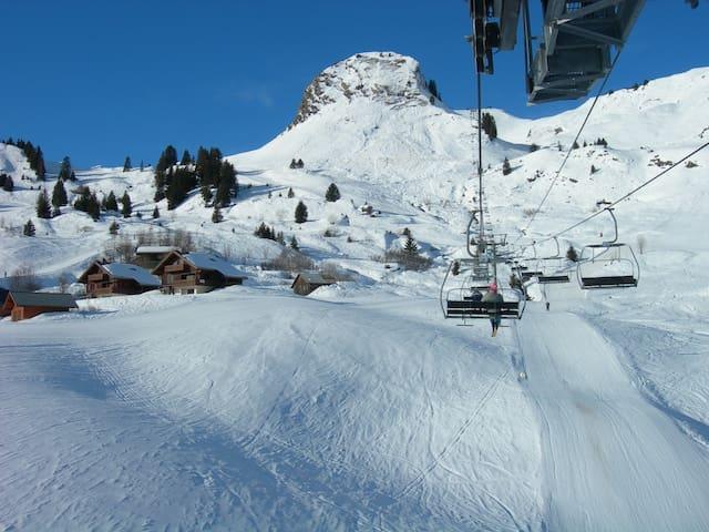 Studio au pied des pistes au Sommand, Haute-Savoie