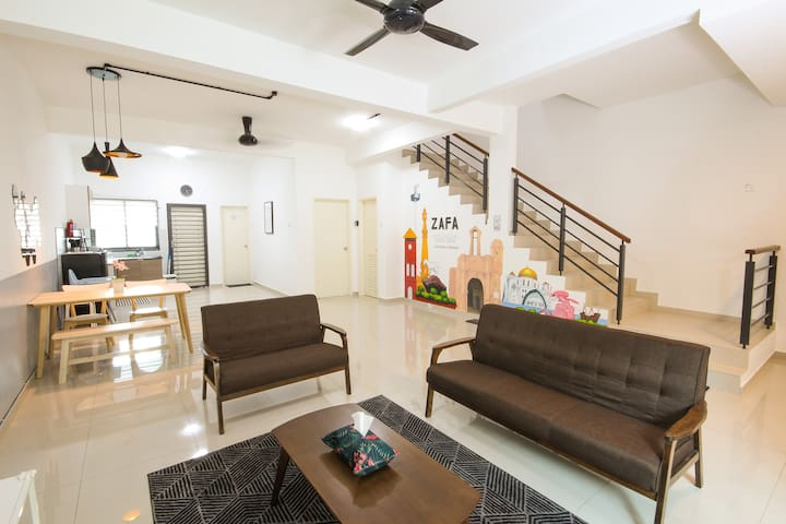 (NEW!) 2 Storey Terrace. 4R3B with 4AC+WiFi+Mural