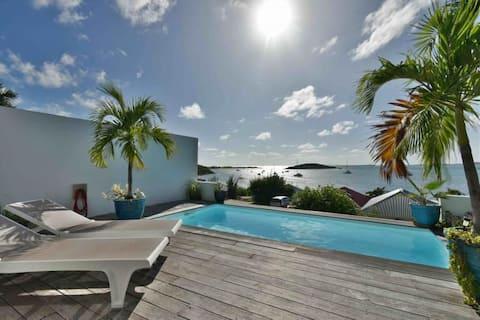 Cul de sac villa piscine jacuzzi kayaks vue Pinel