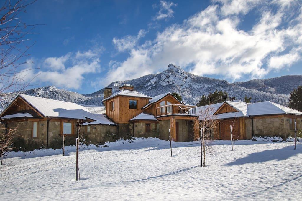 House in winter/ La casa en invierno