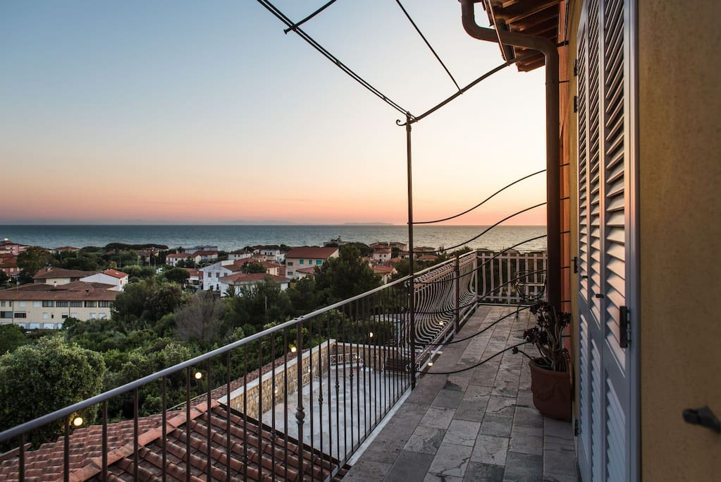 BEAUTIFUL SUNSET IN SAN VINCENZO - VIEW FROM THE TERRACE