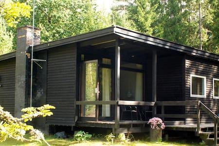 Småländsk idyll vid Helgasjön - Blockhütte