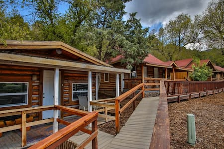 Cabin 10 in Rockies on Colo River at State Bridge