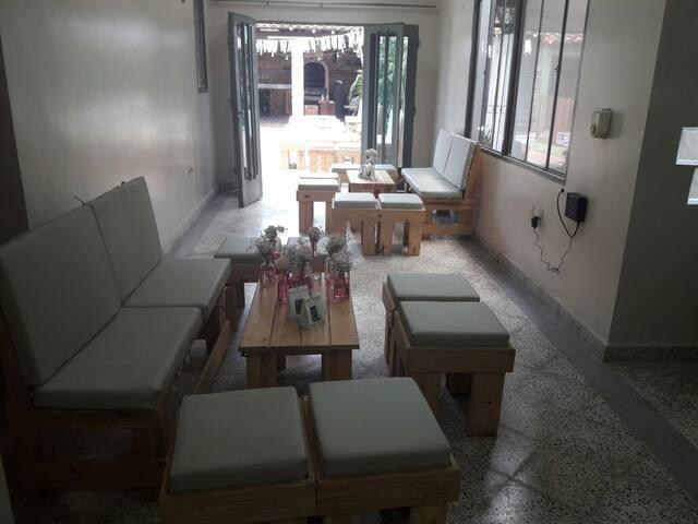 Residencia en Villa Morra desde U$D 25 por persona