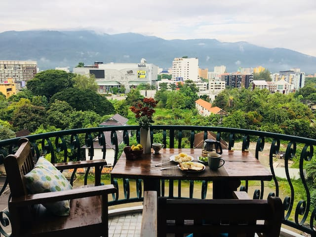 Condo near nimman rd and Maya mall,Doi suthep view