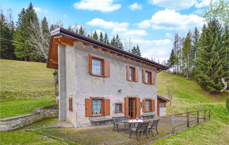 Holiday cottage with 2 bedrooms on 60m² in Sovramonte