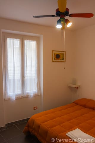 VERNAZZAROOMS -Roma 3 -