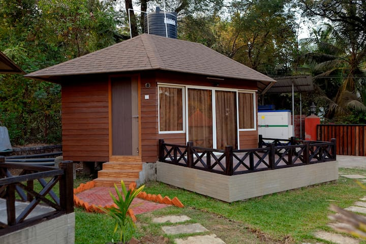 Cozy Cottage near Varsoli beach - Alibag - Cabin