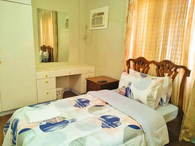 B. Second Room (₱1000) -1 single bed -air-conditioned -with Toilet and bath inside the room. -32 inches  flat TV with NETFLIX -we charge ₱300 for extra bed