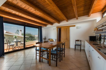 New attic on the beach - Torregrotta - 公寓