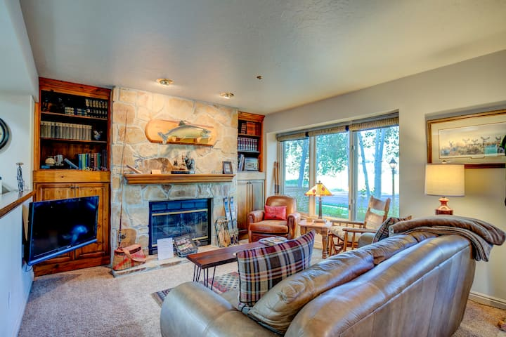 Charming 2 bedroom condo, 2 master suites, minutes to Deer Valley on Free Shuttle!
