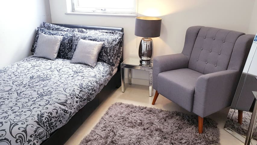 Cosy Double Room in Shoreditch/Angel