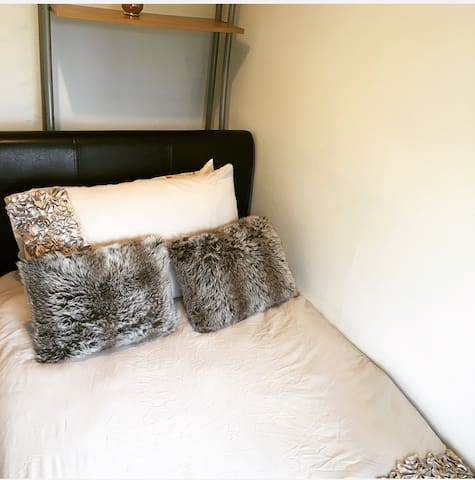 Single bedroom close to City & universities - Oxford
