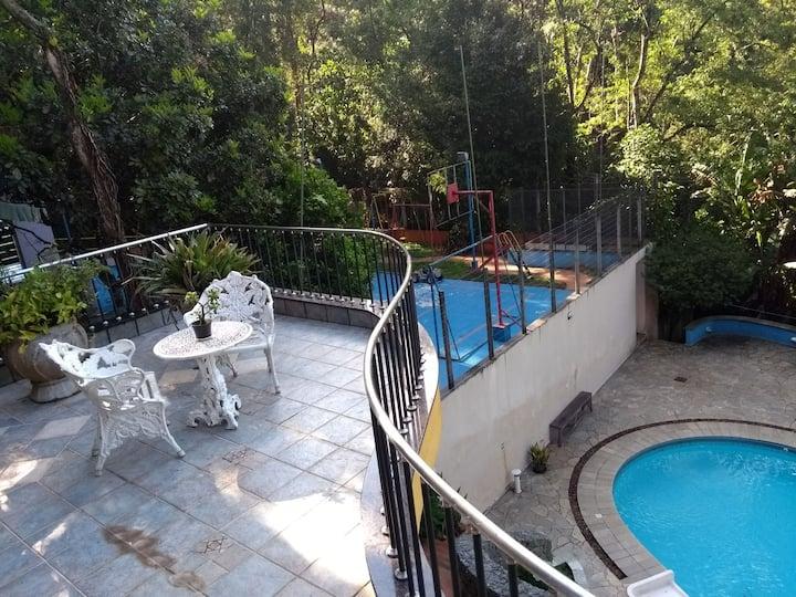 Casa de Campo, piscina, área de lazer, natureza.